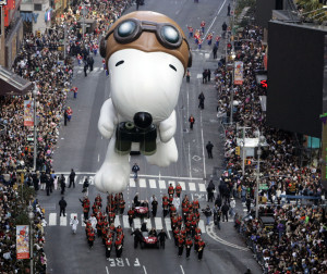 The Snoopy balloon floats down Broadway during the Macy's Thanksgiving Day parade in New York, Thursday, Nov. 22, 2007. (AP Photo/Jeff Christensen)