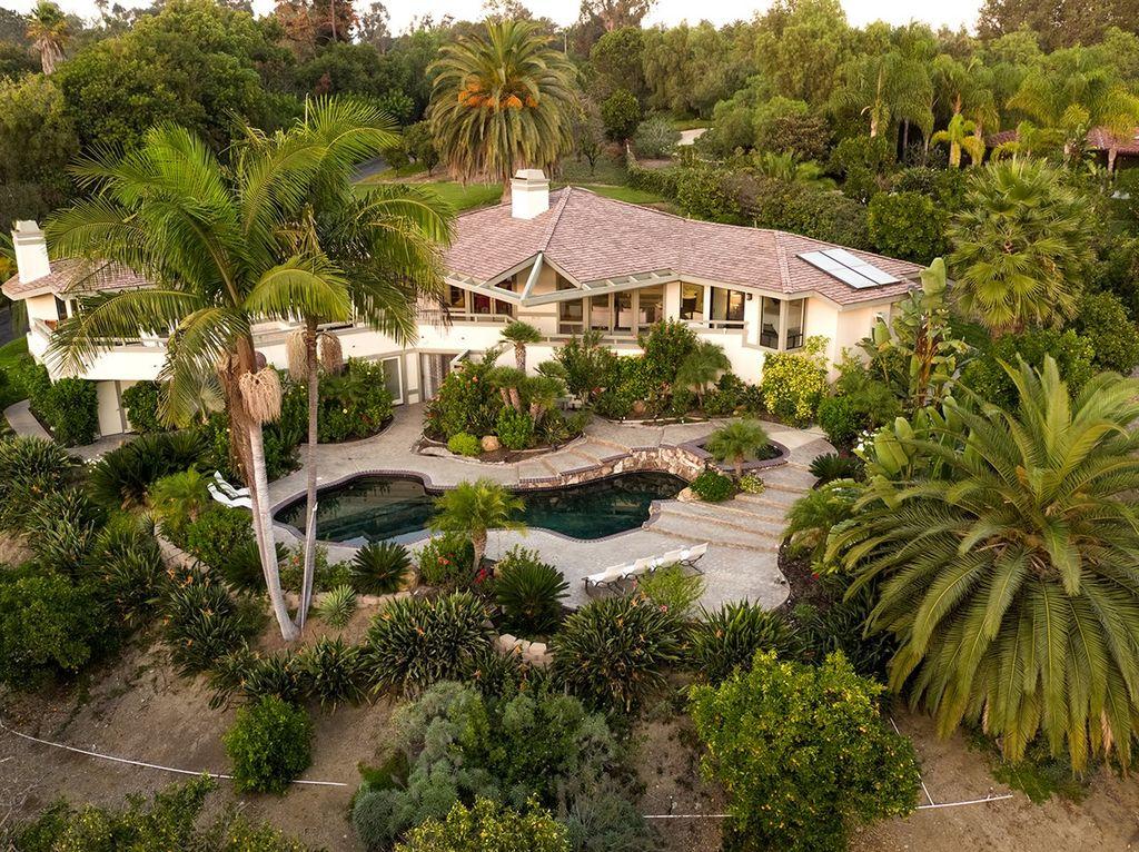 圣地亚哥兰乔圣菲价值239.5万美元的别墅