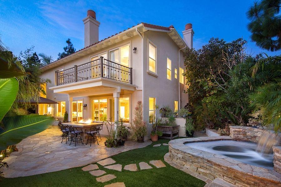 圣地亚哥拉荷亚价值149.5万美元的别墅