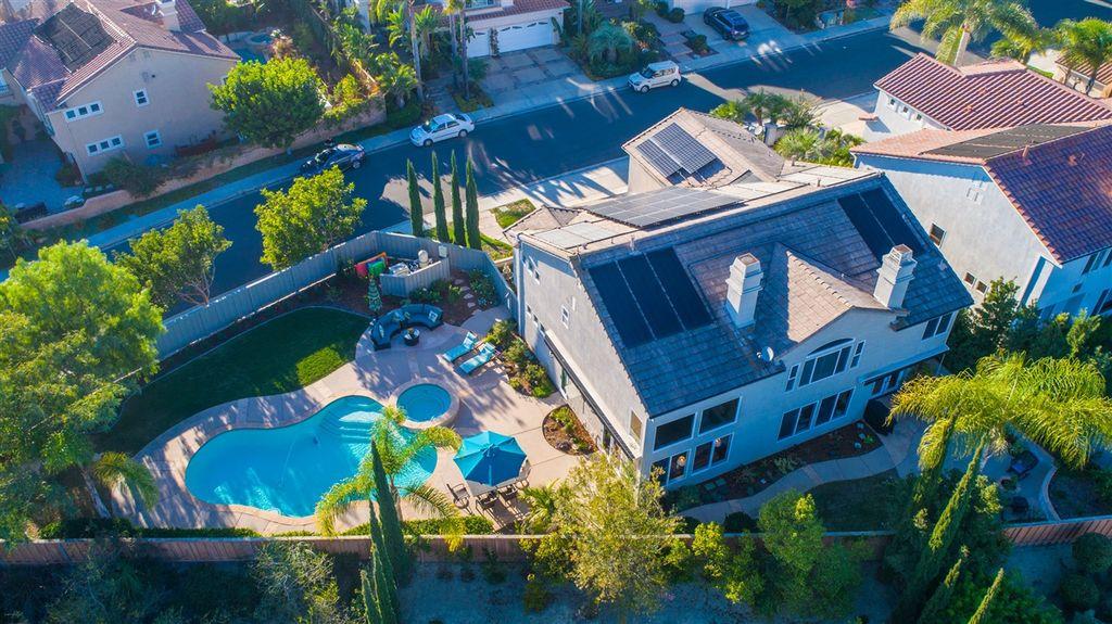 圣地亚哥卡梅尔谷价值182.9万美元的别墅