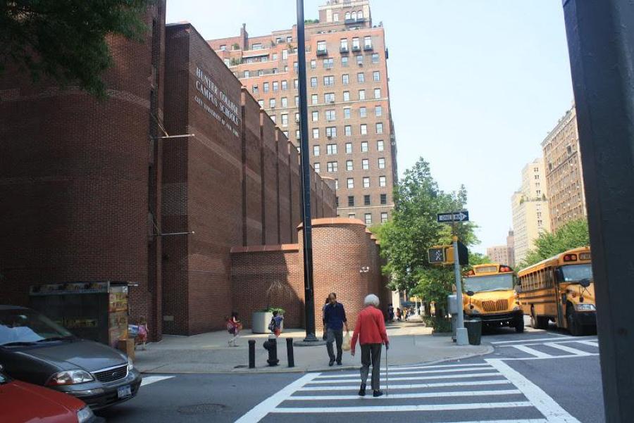 上东区中央公园边的亨特学院附小