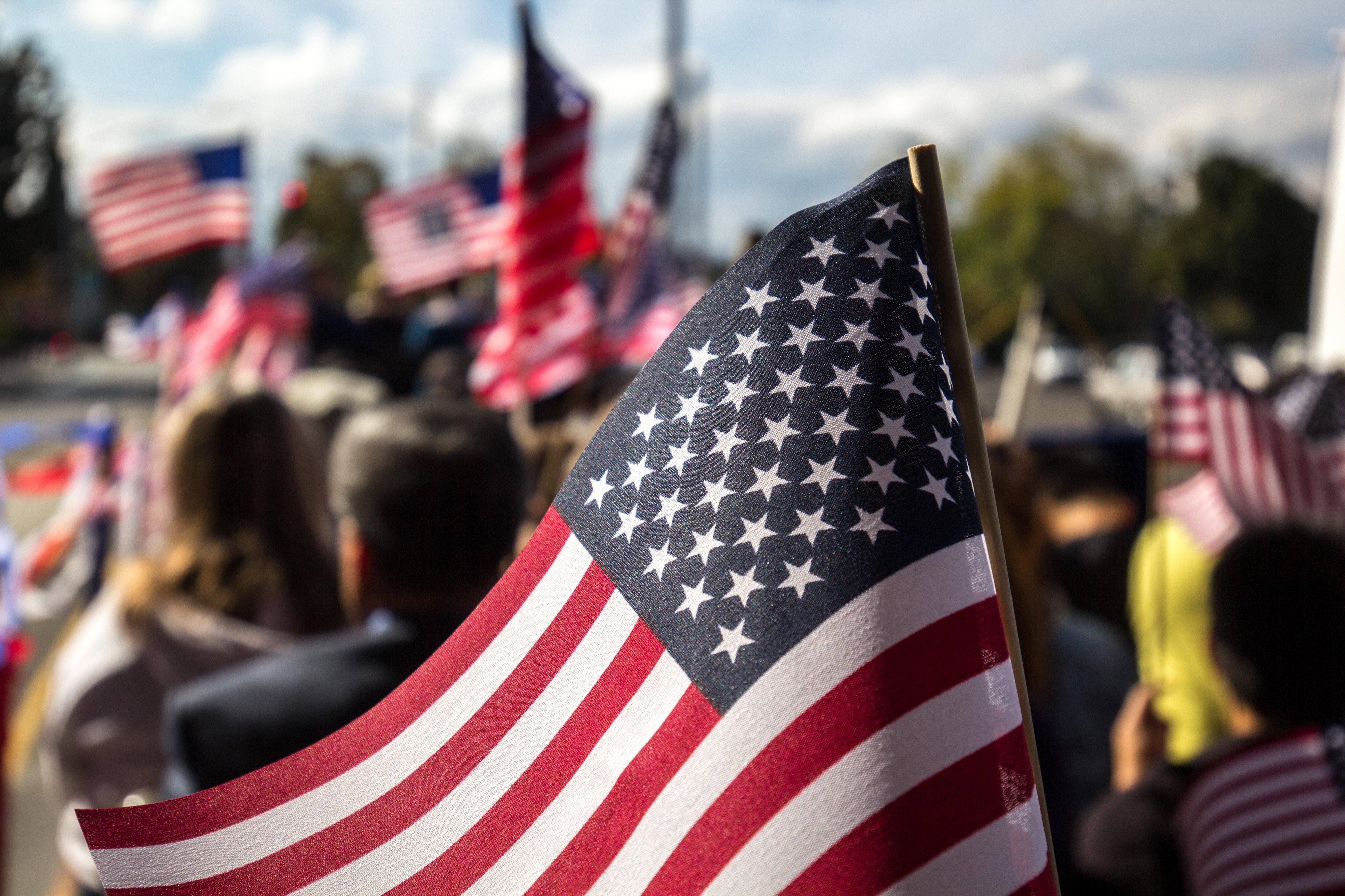 如何安全拿到美国绿卡  美国移民局EB-5政策备忘录